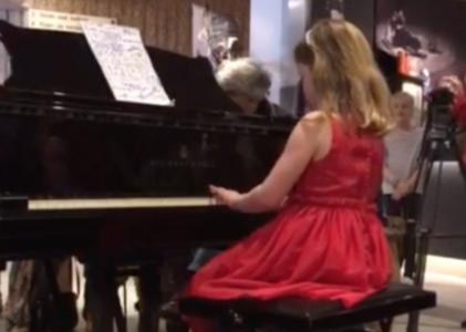 Pianoleerling Suza van pianodocent Anny Tseng